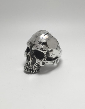 aphotic Distressed Skull ring 02