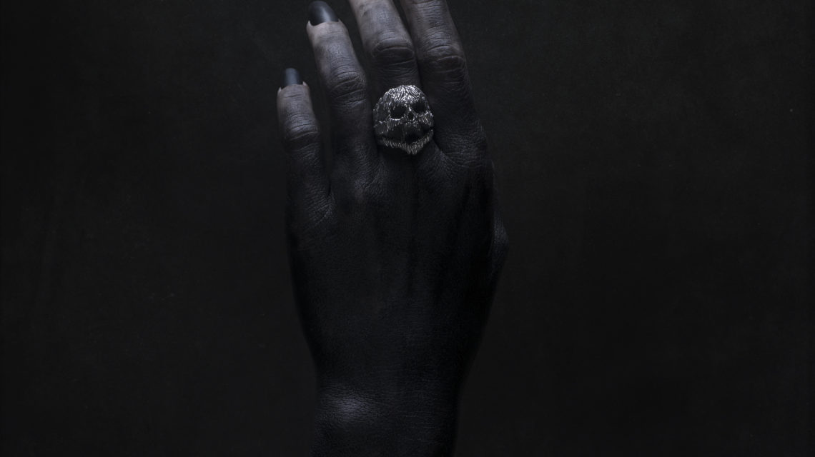 "Intenebris x Stanislav Krawczyk ""PAIN"" Ring on model Linnea Thomasia"